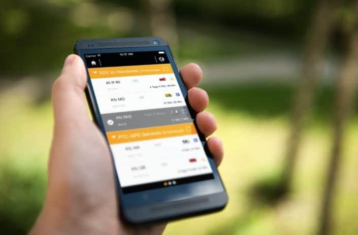 Mobile App Auto Tracker